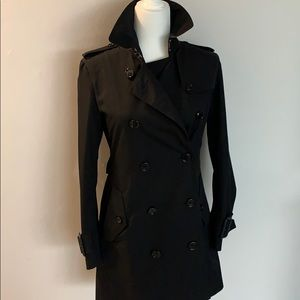 Burberry RTW trench coat jacket black EUC